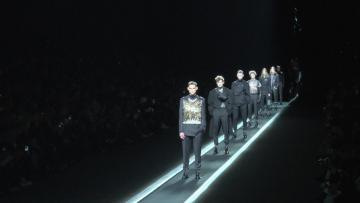 Watch - No lack of variety at Paris Fashion Week