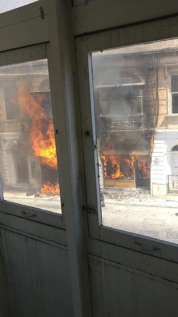 Fire destroys Sliema pharmacy, causes chaos in area | Video: Michael Duncan