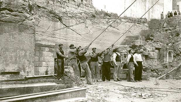 Removal of bells prior to the demolition of the Kalkara belfry circa 1945-1946.