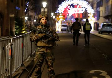 Gunman kills 3 people in Strasbourg Christmas market, flees