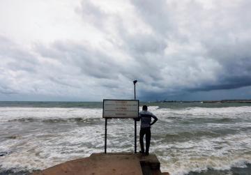 Heavy rains, landslides kill five in Sri Lanka