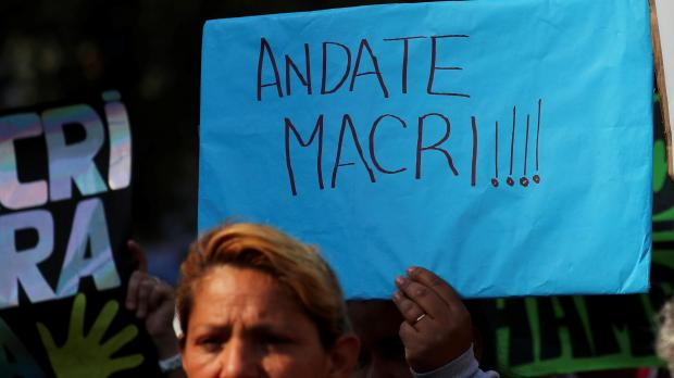 Protests calling for Macri to go. Photo: Reuters