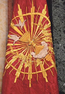 Processional banner (1999) of the Confraternity of the Blessed Sacrament.