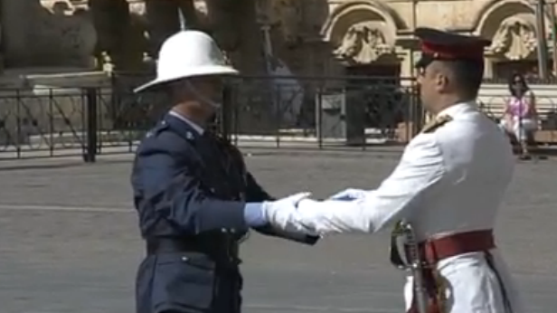 The army hands over security to the police.