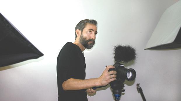 Trevor Borg filming Victor Fenech's Fuq Għoljiet Dingli.