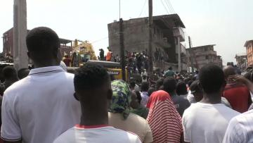 Watch: School children trapped as building collapses in Lagos