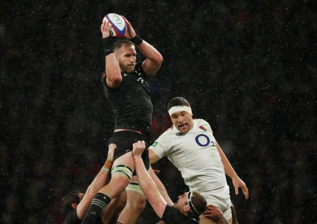 New Zealand's Kieran Read wins the lineout against England's Charlie Ewels
