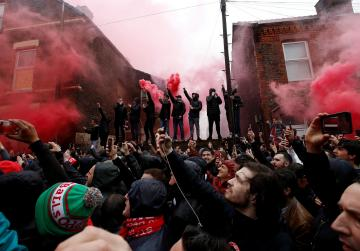 One arrest as violence breaks out before Liverpool-Roma game - police