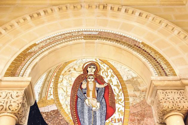 Managing and interpreting living religious heritage