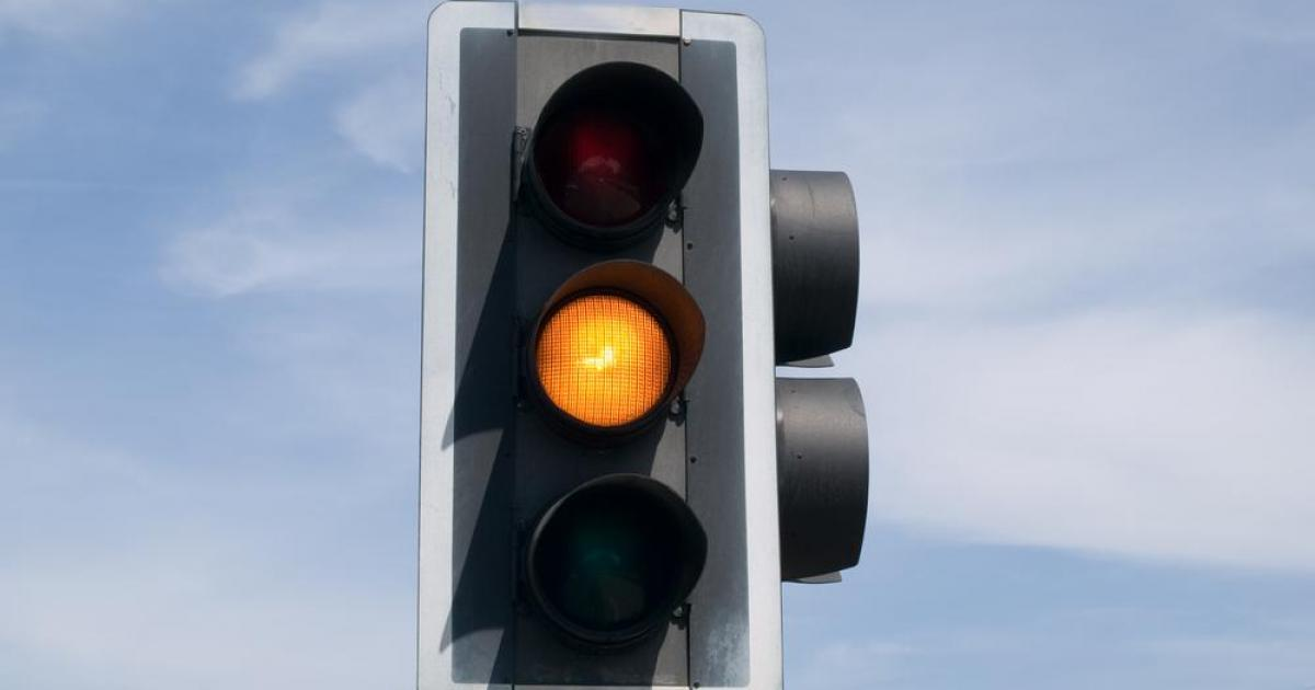 Watch Red Alert As Amber Lights Cause Traffic Confusion