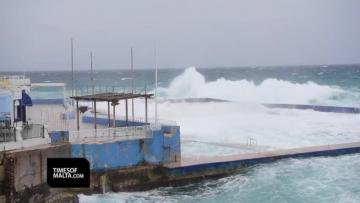 Watch: Waves crash against Sliema coast as winds pick up speed | Video: Mark Zammit Cordina