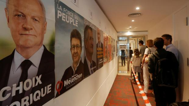 Macron, Le Pen to square off in French presidential runoff