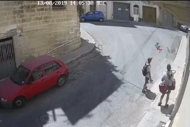 Postman filmed scattering leaflets on Marsa road to be disciplined