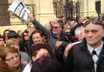 Watch: PN holds demo for democracy and freedom, will not observe new media law