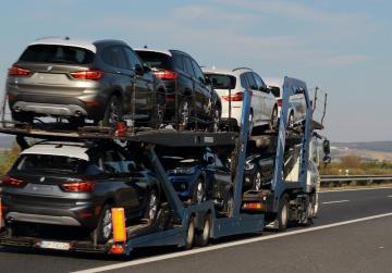 EU vows 'swift and adequate' riposte to threatened US auto tariffs