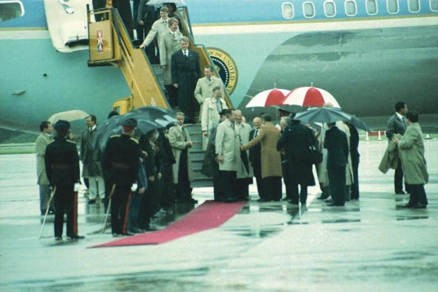 President George Bush arriving in Malta for the summit.