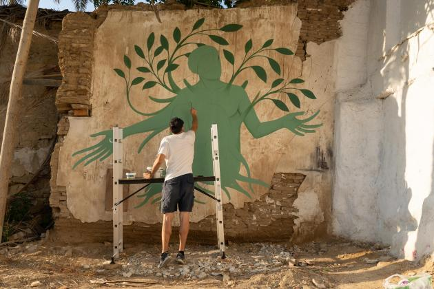 Greek 'neo-muralist' draws on mythology to depict pandemic