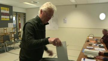 Populists eye upsets as Brexit-bound UK, Netherlands kick off EU elections
