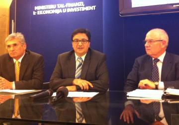 Finance Minister Tonio Fenech with Richard Cachia Caruana (left) and Air Malta chairman Louis Farrugia.