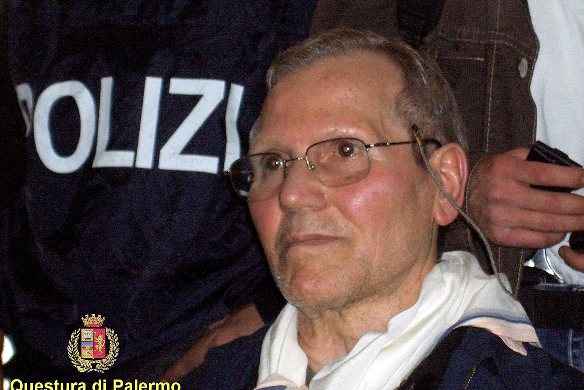 A handout picture of Mafia Boss Bernardo Provenzano taken 11 April 2006 at Palermo's police headquarters following his arrest. Photo: HO/AFP