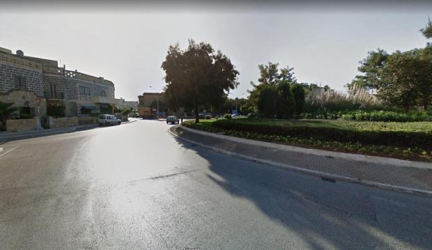 The footage appears to have been taken at the Santa Luċija roundabout.