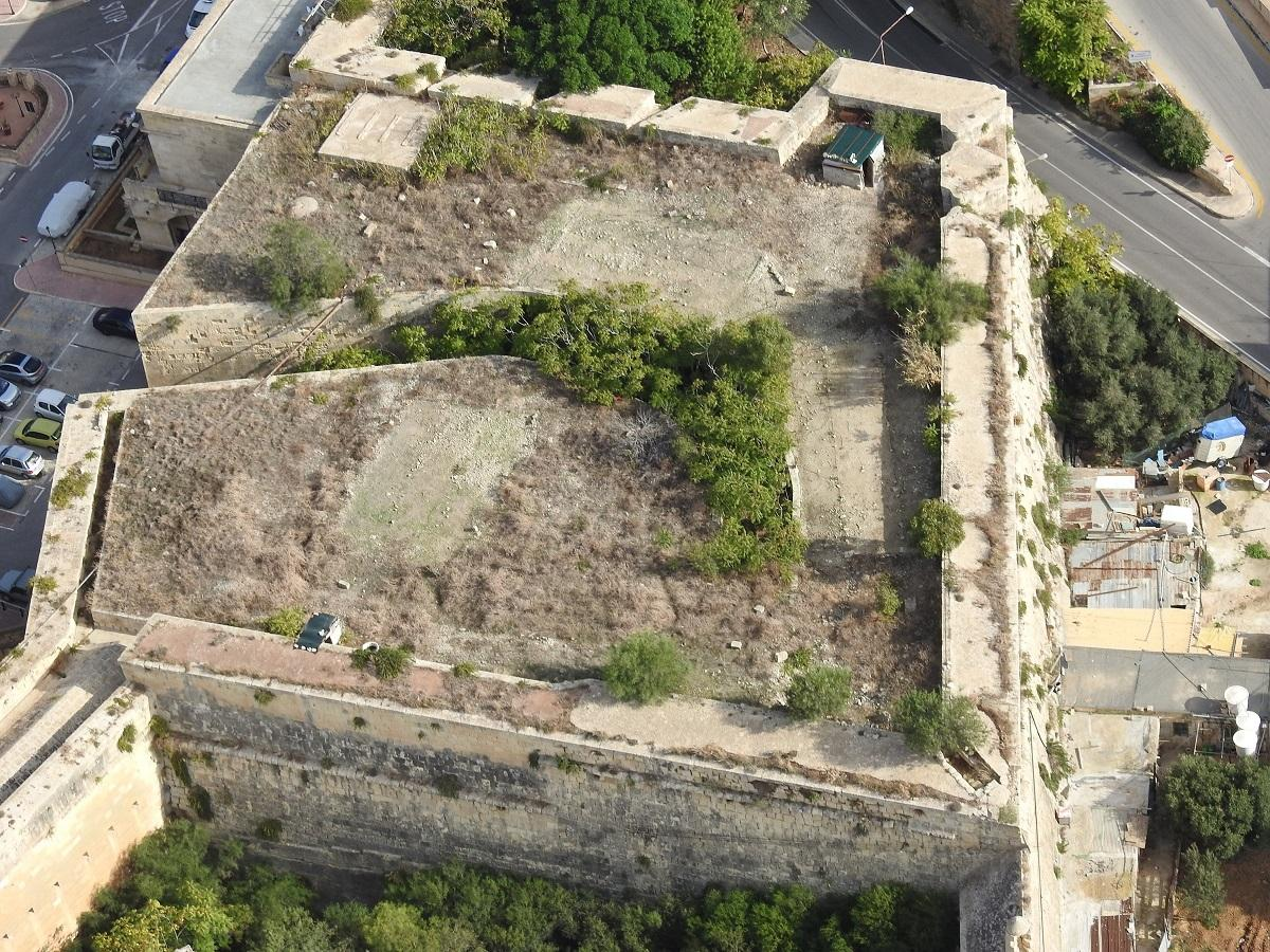 A trapping site on rooftop of Cottonera Lines.