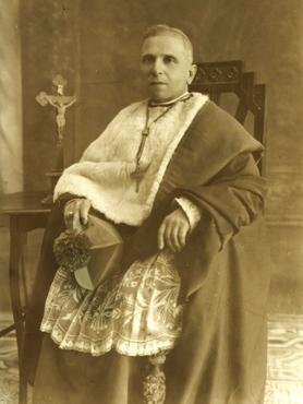 The newly consacrated Bishop Emmanuel Galea.