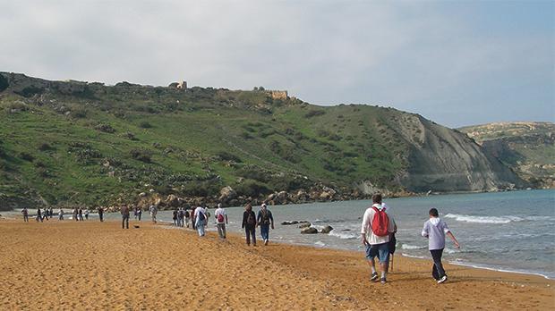 Ramblers crossing Ramla l-Ħamra.