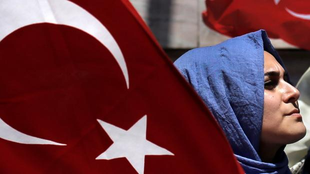 Turkey coup sparks state of emergency