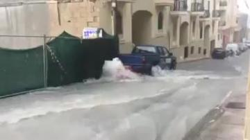 Watch: Roads flood as nation braces for a wet weekend
