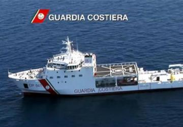 Italy allows docking of ship with migrants, ends standoff with Malta