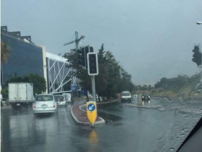 The traffic lights at the Mriehel junction were not working.