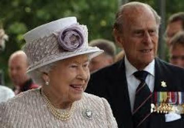 Queen's welcoming ceremony moved to San Anton Palace because of bad weather