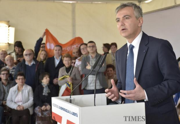 Opposition Leader Simon Busuttil addresses the crowd in Sliema on February 12, whilst Former Labour MP Marlene Farrugia listens from the background. Photo: Mark Zammit Cordina