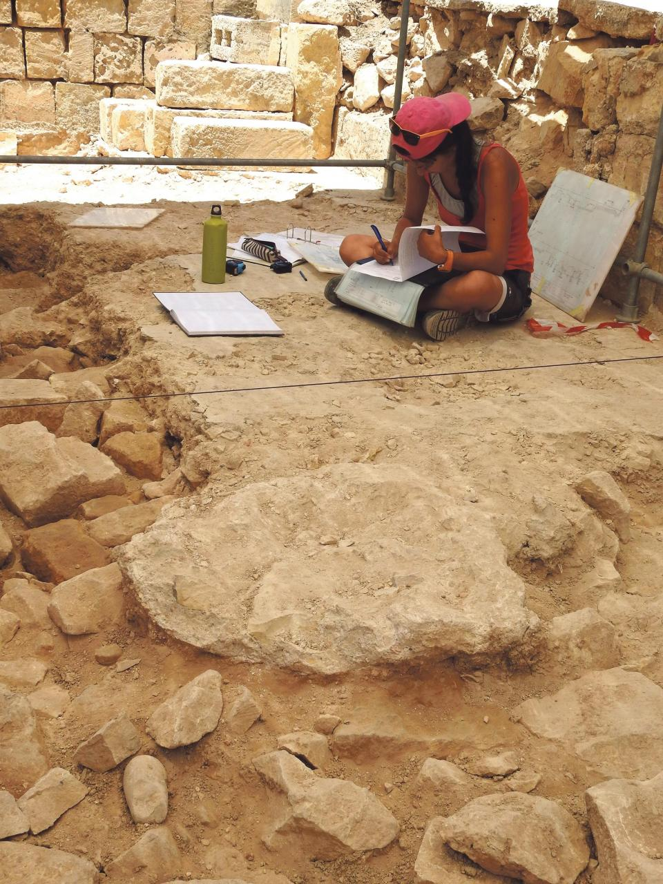 Finds of the latest excavations being documented.