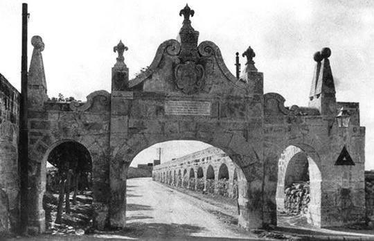 Fleur-de-Lys Arch