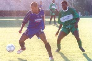 Jamie Pace (left) tries to launch a Sliema attack during yesterday`s friendly at Corradino.