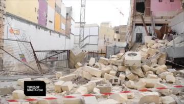 Watch: Building collapses in Gwardamanġa, residents out in the streets | Video: Matthew Mirabelli
