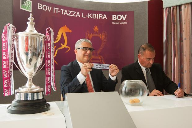 BOV representative Charles Azzopardi draws the name of one of the Tazza l-Kbira finalists.