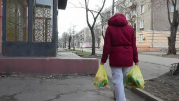 War-displaced Ukrainians struggle to get their vote