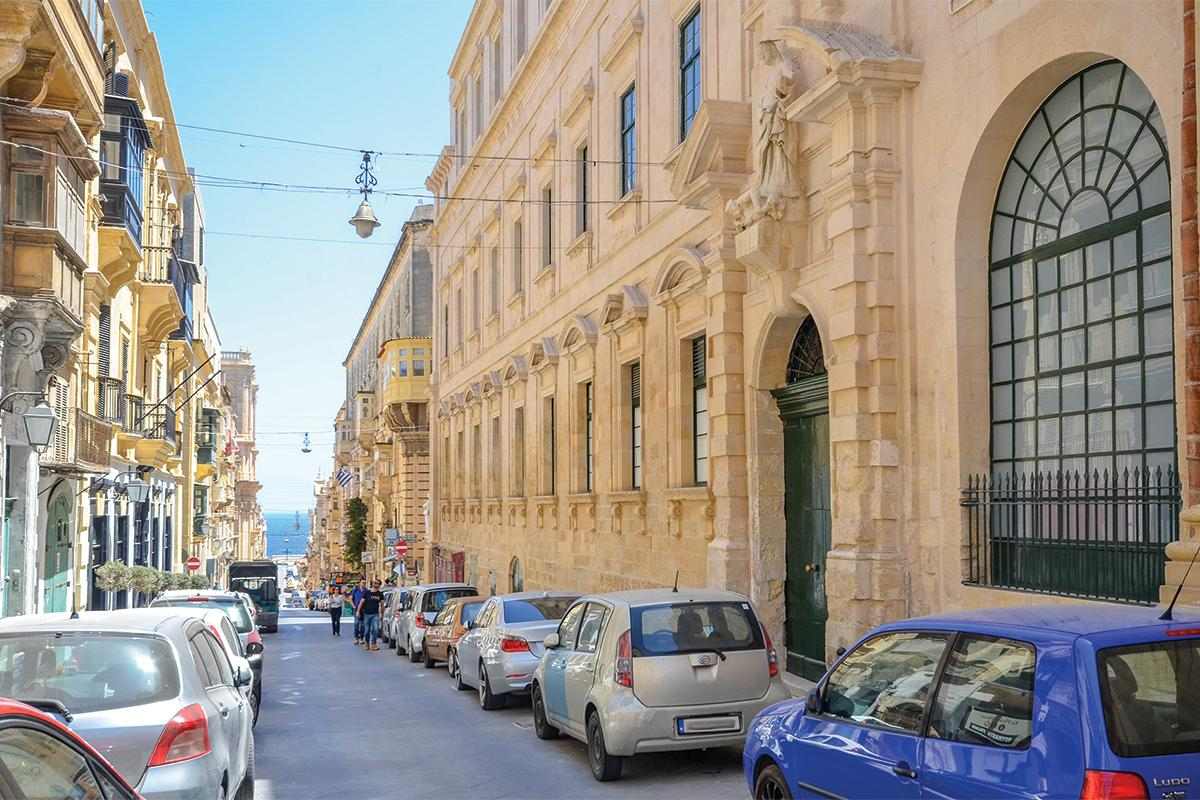 During the 19th century, the entrance to the Liceo was at No.76, Strada Mercanti. The main entrance to the building, which dates to c. 1647, has a baroque façade designed by architect Francesco Buonamici.