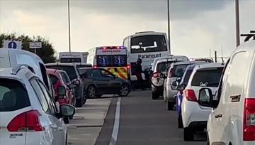 Watch: Ambulance stuck in Gozo ferry traffic   Video: Daniel Cilia