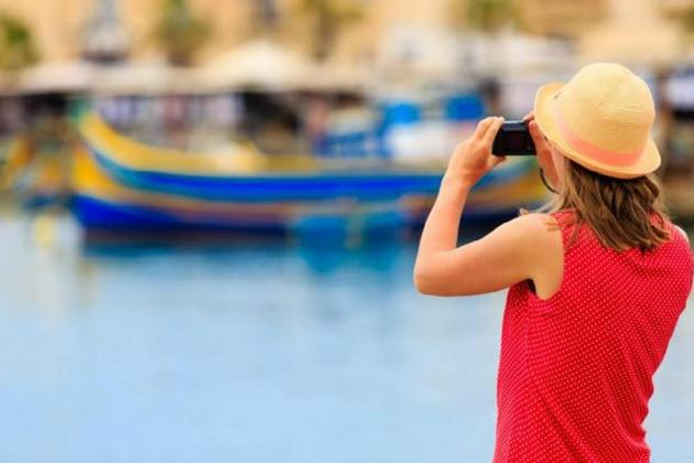 Tourist arrivals up by 6.7% in August, but tourists are spending slightly less