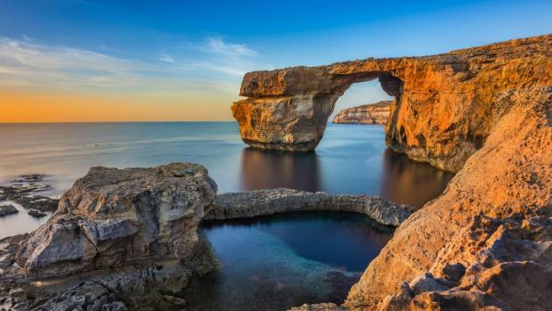 The Azure Window in all its glory.