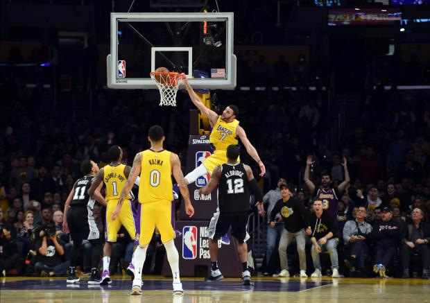 Los Angeles Lakers forward Larry Nance Jr. (7) dunks to score a basket against the San Antonio Spurs during the second half at Staples Center. Photo: Gary A. Vasquez-USA TODAY Sports