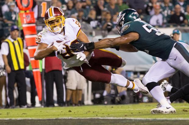 b0122cbde53 Washington Redskins tight end Jordan Reed (86) dives for a touchdown past  Philadelphia Eagles