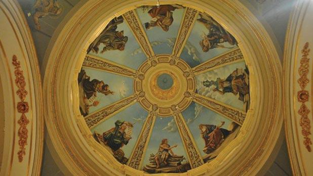 The dome decorated by Lazzaro Pisani.