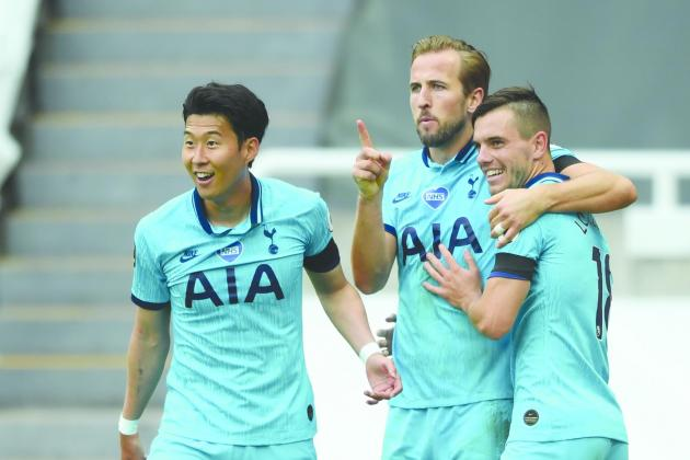 Spurs face title test, wounded Liverpool host leaders Leicester