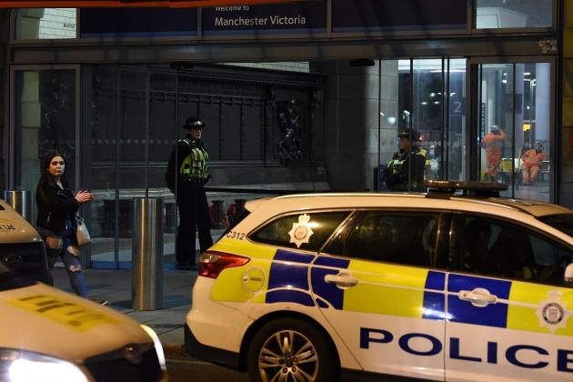Five stabbed at Manchester shopping centre