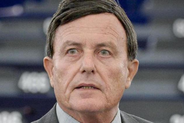Alfred Sant votes for permanent EP tax committee
